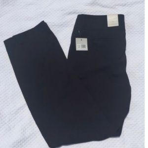 Madison Womens 10 Average Black Flat Front Pants